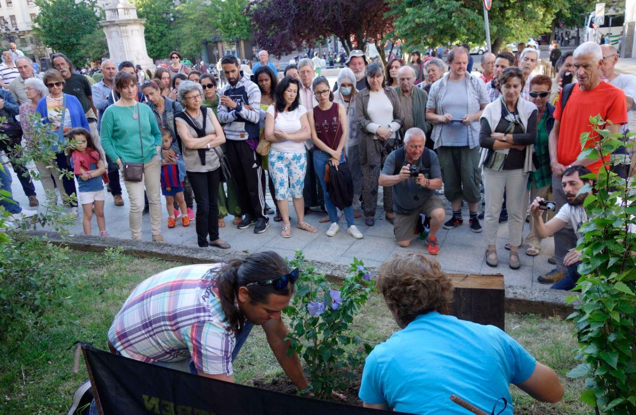 Cantabria con los refugiados cartas desde grecia for Sindicato jardineros